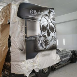 airbrushartstudio_it-aerografie-padova-italy-truck-black&whiteskull
