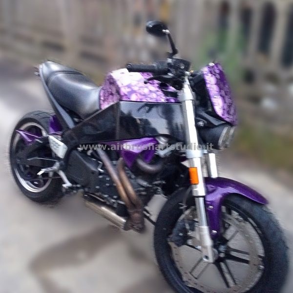 airbrushartstudio_it-aerografie-padova-italy-buell-skull-ultraviolet-americanmotorcycle