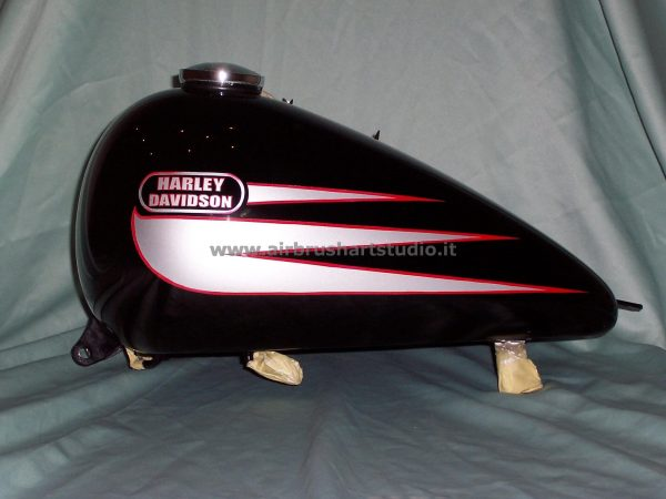 airbrushartstudio_it-aerografie_-padova-italy-motorcycle-hd-harleydavidson-tank