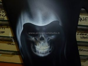 airbrushartstudio_it-aerografie_-padova-italy-motorcycle-white-skull